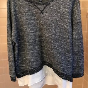 American Eagle Outfitters Long Sleeve Crewneck